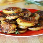 Crispy-Outside Creamy-Inside Garlic Herb Potatoes!