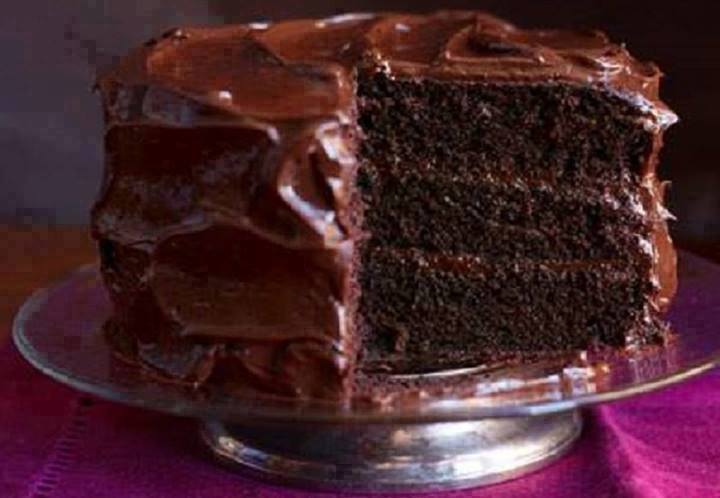 TRIPLE LAYER CHOCOLATE CAKE CHOCOLATE FROSTING